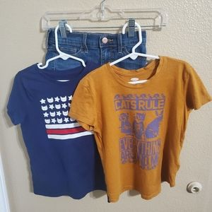 Old Navy Shorts and 2 Shirts Size Small 6